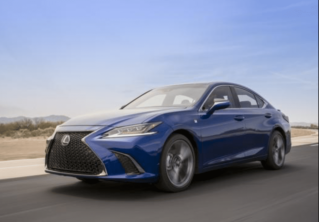 Lexus announces CarPlay coming to new vehicle.png
