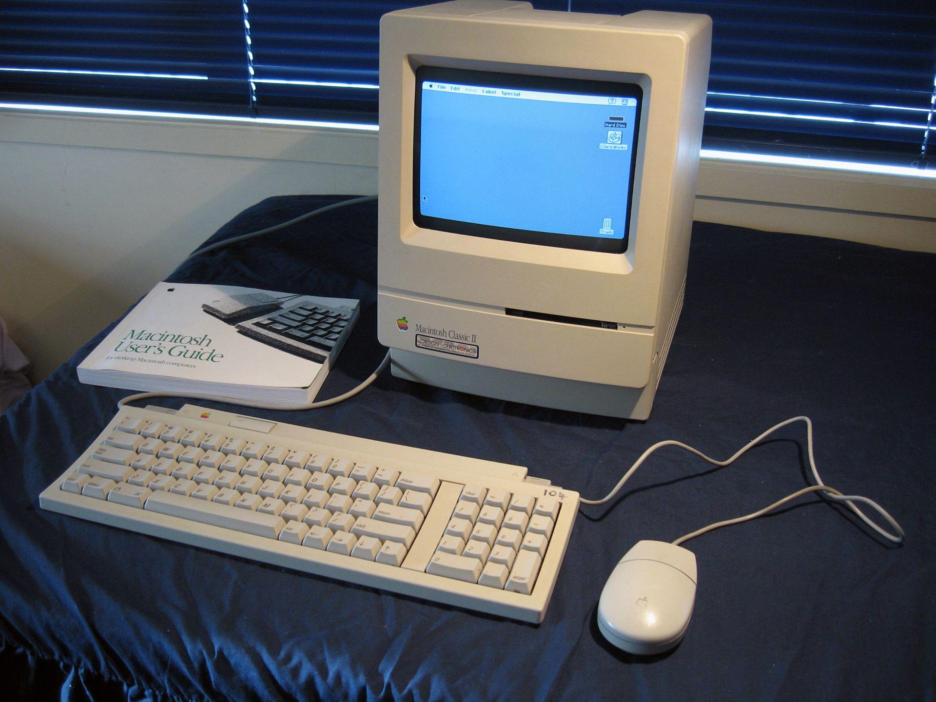mac classic-II-1920x.jpg