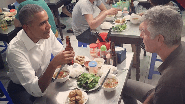obama-bourdain-hanoi.png